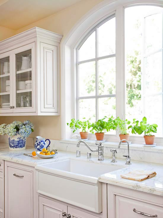 White Kitchen Cabinets Yellow Walls